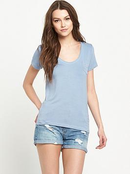 superdry-essentials-drapey-pocket-t-shirt