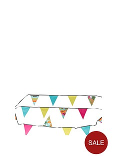 summerhouse-by-navigate-ipanema-camping-bunting