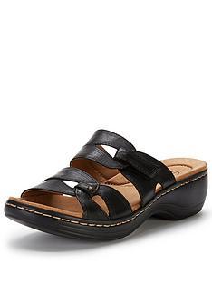 clarks-hayla-canyon-sandal