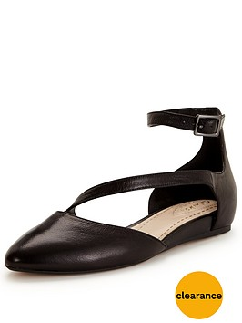 clarks-coral-fizz-flat-shoe