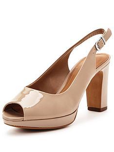 clarks-jenness-sound-shoes