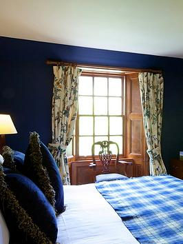 virgin-experience-days-one-night-break-for-two-at-tulloch-castle