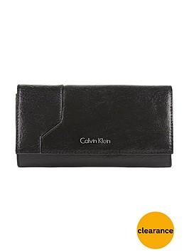 calvin-klein-sadie-large-trifold-purse-black