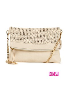 oasis-cut-out-clutch