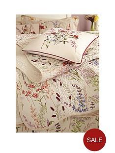va-blythe-meadow-square-cushion