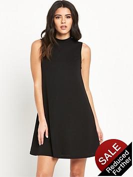 glamorous-high-neck-sleeveless-dress