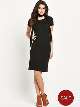 glamorous-short-sleeved-ribbed-midi-dress