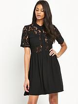 NynneShort Sleeve Lace Dress