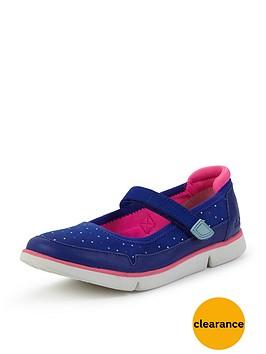 clarks-girls-trinbspbitsey-strap-shoes