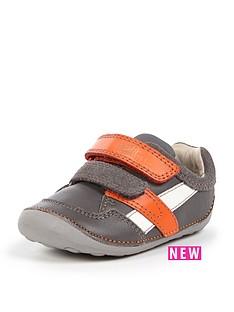 clarks-clarks-tiny-zakk-strap-shoe