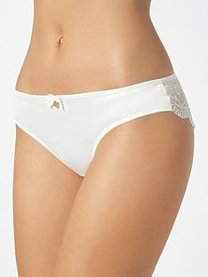 boux-avenue-samantha-lace-brazilian-briefs