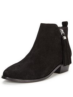 miss-selfridge-tasselnbsptrim-ankle-boot