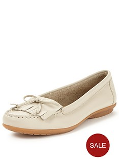 hush-puppies-ceil-moccasin-shoe