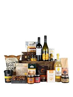 virginia-hayward-the-extravagance-hamper