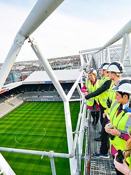 virgin-experience-days-newcastle-united-roof-top-stadium-tour-f