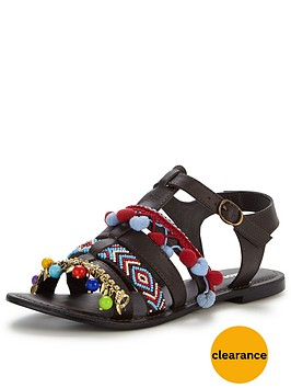 glamorous-pom-pom-flat-sandal