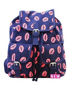 canvas-backpack-lip-print