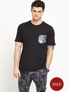 nike-drop-hem-pocket-t-shirt