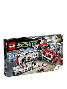 lego-porsche-919-hybrid-and-917k-pit-lane