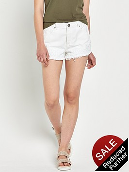 miss-selfridge-floral-crochet-trim-short