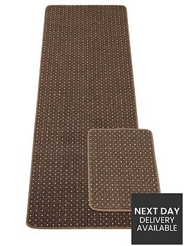 pin-dot-runner-with-free-doormat