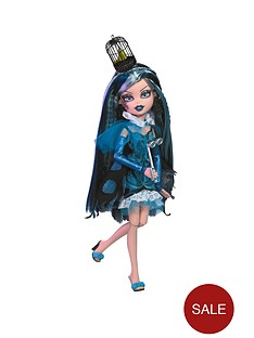 bratzillaz-witchy-princessess-doll-carolina-past