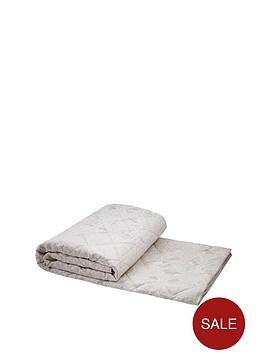 dorma-cameo-bouquet-bedspread