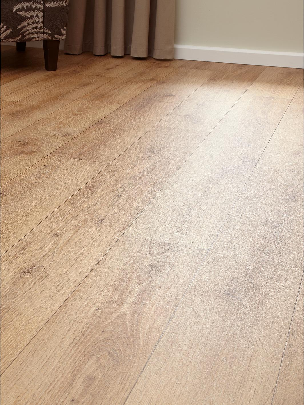 Wood effect cushioned vinyl flooring for Cushioned vinyl flooring