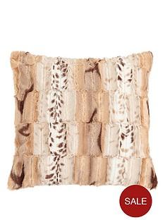 jackal-faux-fur-cushion