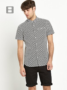 goodsouls-mens-black-short-sleeve-geo-print-shirt