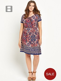 so-fabulous-border-hem-print-jersey-gypsy-dress