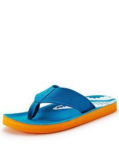 lacoste-steffson-flip-flops