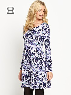 south-zip-back-swing-dress