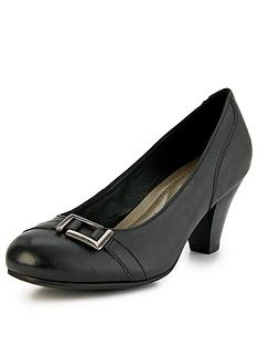 foot-cushion-jeanie-front-detail-heeled-shoes