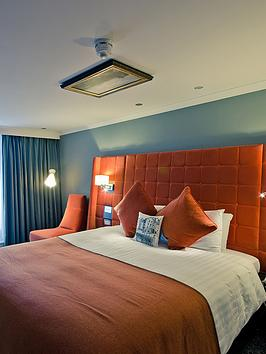 virgin-experience-days-one-night-break-with-dinner-for-two-at-the-mercure-edinburgh-city-hotel