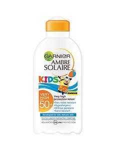 ambre-solaire-resisto-kids-milk-spf50-minions-pack