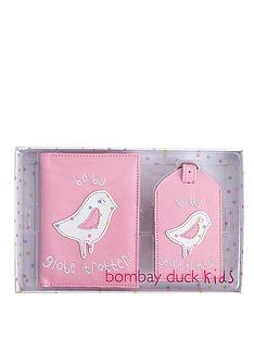bombay-duck-pink-baby-globetrotter-passport-cover-and-luggage-tag-gift-set