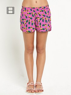 resort-pineapple-print-beach-shorts