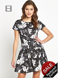 club-l-monochrome-floral-drop-waist-dress