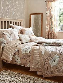magnolia-bedding-range-natural