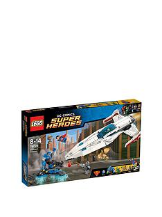 lego-super-heroes-darkseid-invasion-76028