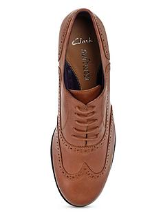 clarks-hamble-oak-leather-tan-brogues