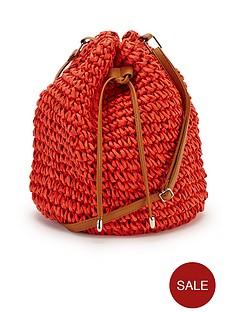 straw-duffle-bag