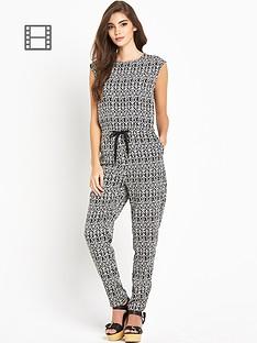 glamorous-printed-sleeveless-jumpsuit