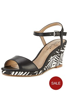 foot-cushion-verity-print-comfort-wedge-sandals-blackwhite
