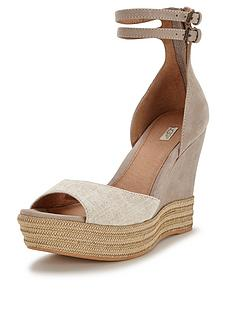 ugg-australia-devan-leather-wedge-sandals