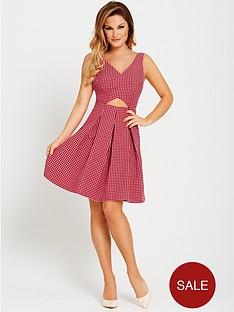 samantha-faiers-cutwork-pleated-dress