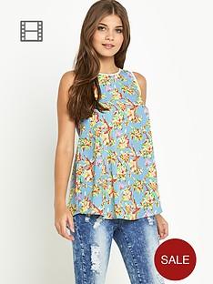 glamorous-sleeveless-floral-top