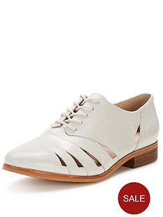 clarks-hotel-image-cut-out-cotton-leather-brogues