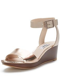 clarks-ornate-jewel-wide-fit-sandals-gold